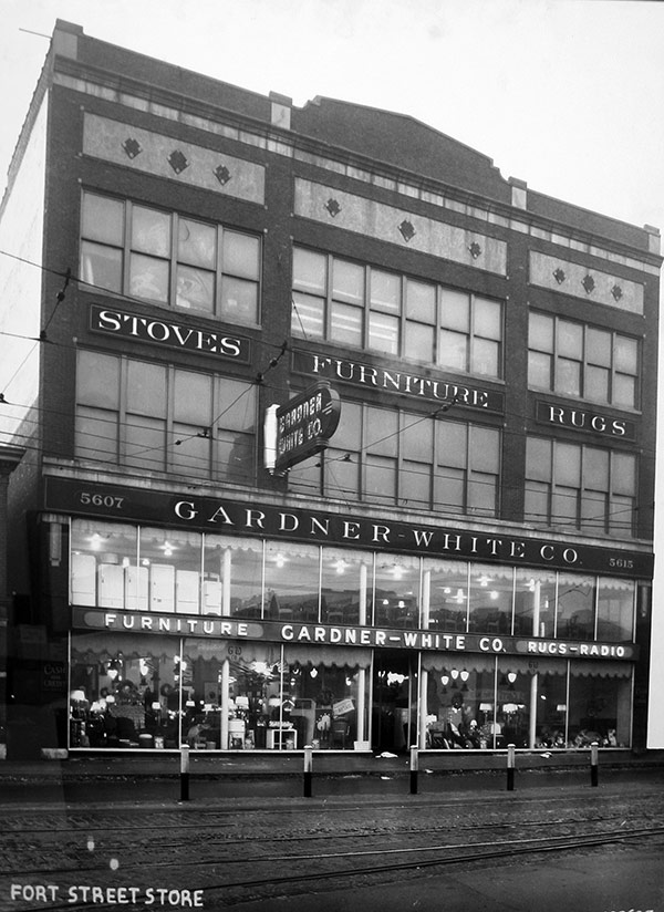 Gardner-White's Fort Street location in Detroit, MI circa 1912